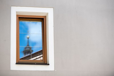 Kirche im Fenster