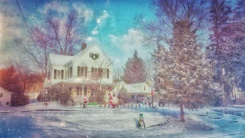 Snow Storm, December 14, 2017, Goshen, NY. Christmas . . . Totally Christmas! Shot with Samsung Mobile Galaxy S7, Edited with Snapseed