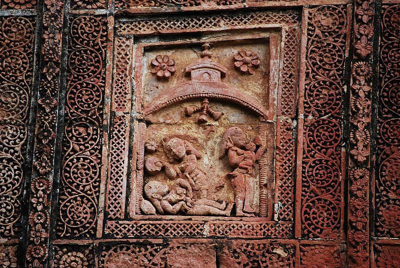 Details of life in terra cotta