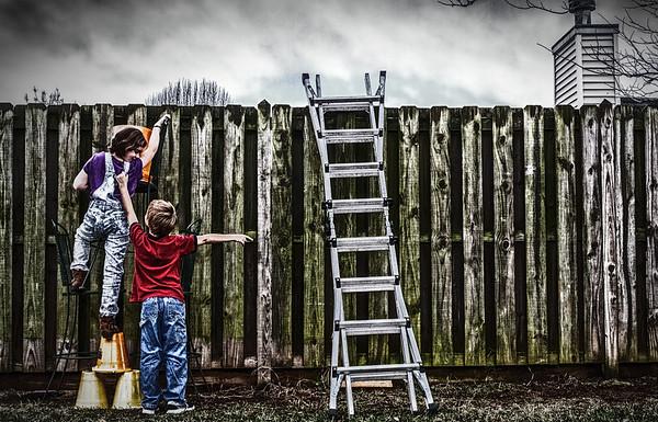 2017-01-02 - Kids on Fence