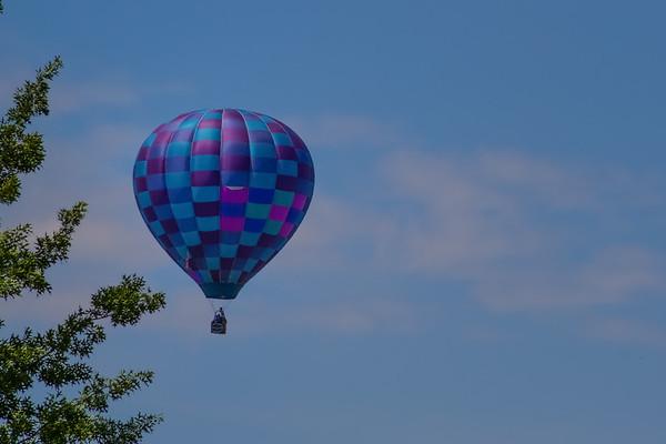 2017-06-03 Hot Air Balloon near house.