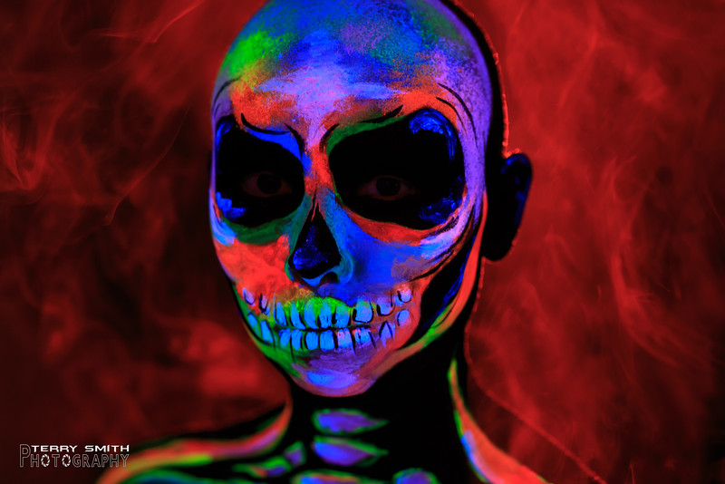 Angelica-Blacklight Skull