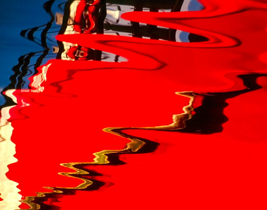 red and blue reflection pattern