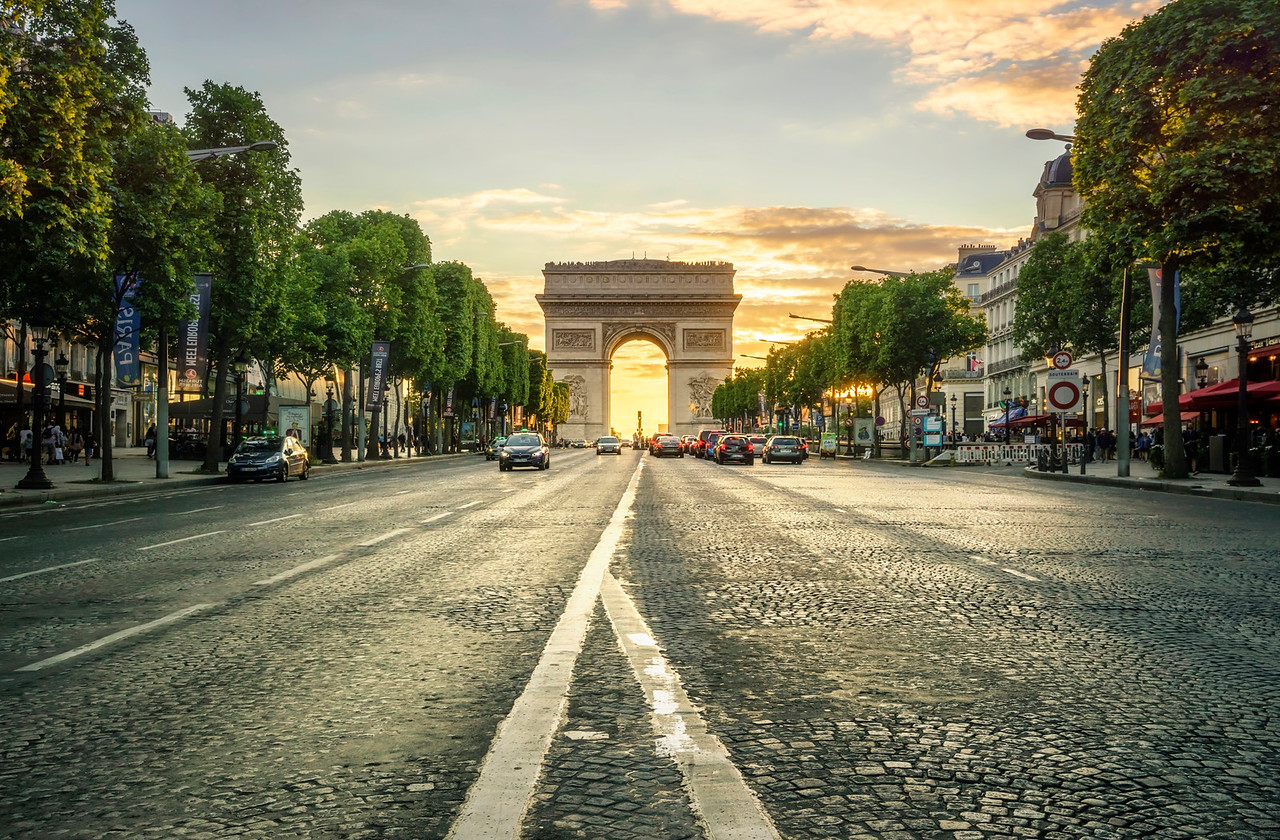 Sunset at the Arc de Triomphe