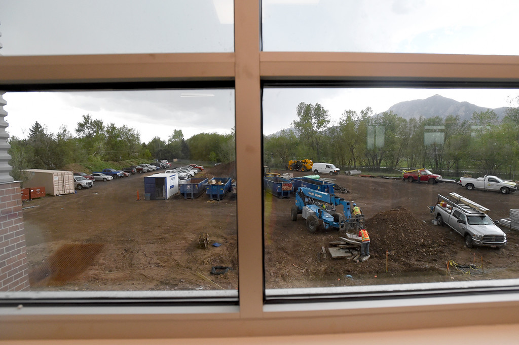 . Crews work outside while doing construction on Creekside Elementary School on Tuesday in Boulder. For more photos of the construction go to www.dailycamera.com Jeremy Papasso/ Staff Photographer/ May 16, 2017