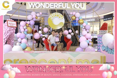 Crescent-Mall-Vietnam-Women-Day-March-8-photobooth-instant-print-chup-hinh-in-anh-lay-ngay-su-kien-Tiec-cuoi-WefieBox-photobooth-Vietnam-Day3-011