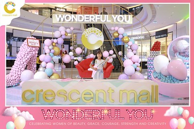 Crescent-Mall-Vietnam-Women-Day-March-8-photobooth-instant-print-chup-hinh-in-anh-lay-ngay-su-kien-Tiec-cuoi-WefieBox-photobooth-Vietnam-Day3-009