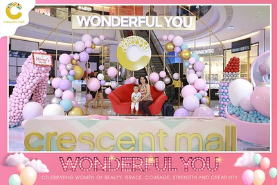 Crescent-Mall-Vietnam-Women-Day-March-8-photobooth-instant-print-chup-hinh-in-anh-lay-ngay-su-kien-Tiec-cuoi-WefieBox-photobooth-Vietnam-Day3-023