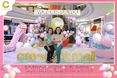 Crescent-Mall-Vietnam-Women-Day-March-8-photobooth-instant-print-chup-hinh-in-anh-lay-ngay-su-kien-Tiec-cuoi-WefieBox-photobooth-Vietnam-Day3-013