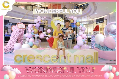 Crescent-Mall-Vietnam-Women-Day-March-8-photobooth-instant-print-chup-hinh-in-anh-lay-ngay-su-kien-Tiec-cuoi-WefieBox-photobooth-Vietnam-Day3-006
