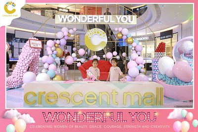 Crescent-Mall-Vietnam-Women-Day-March-8-photobooth-instant-print-chup-hinh-in-anh-lay-ngay-su-kien-Tiec-cuoi-WefieBox-photobooth-Vietnam-Day3-010