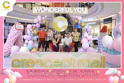 Crescent-Mall-Vietnam-Women-Day-March-8-photobooth-instant-print-chup-hinh-in-anh-lay-ngay-su-kien-Tiec-cuoi-WefieBox-photobooth-Vietnam-Day3-021