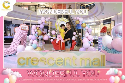 Crescent-Mall-Vietnam-Women-Day-March-8-photobooth-instant-print-chup-hinh-in-anh-lay-ngay-su-kien-Tiec-cuoi-WefieBox-photobooth-Vietnam-Day3-005
