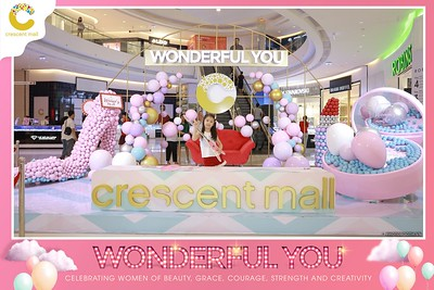 Crescent-Mall-Vietnam-Women-Day-March-8-photobooth-instant-print-chup-hinh-in-anh-lay-ngay-su-kien-Tiec-cuoi-WefieBox-photobooth-Vietnam-Day3-003