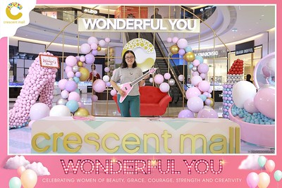 Crescent-Mall-Vietnam-Women-Day-March-8-photobooth-instant-print-chup-hinh-in-anh-lay-ngay-su-kien-Tiec-cuoi-WefieBox-photobooth-Vietnam-Day3-012