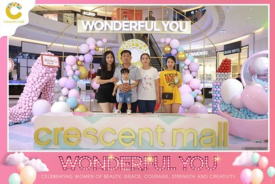 Crescent-Mall-Vietnam-Women-Day-March-8-photobooth-instant-print-chup-hinh-in-anh-lay-ngay-su-kien-Tiec-cuoi-WefieBox-photobooth-Vietnam-Day3-014