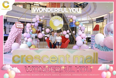 Crescent-Mall-Vietnam-Women-Day-March-8-photobooth-instant-print-chup-hinh-in-anh-lay-ngay-su-kien-Tiec-cuoi-WefieBox-photobooth-Vietnam-Day3-015
