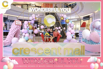Crescent-Mall-Vietnam-Women-Day-March-8-photobooth-instant-print-chup-hinh-in-anh-lay-ngay-su-kien-Tiec-cuoi-WefieBox-photobooth-Vietnam-Day3-008