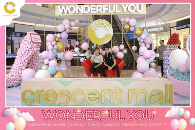 Crescent-Mall-Vietnam-Women-Day-March-8-photobooth-instant-print-chup-hinh-in-anh-lay-ngay-su-kien-Tiec-cuoi-WefieBox-photobooth-Vietnam-Day2-020