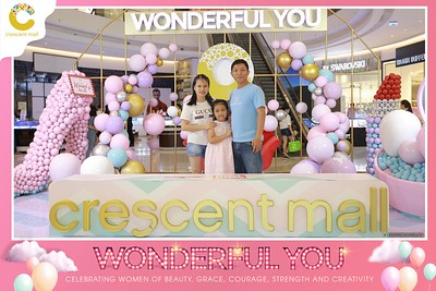 Crescent-Mall-Vietnam-Women-Day-March-8-photobooth-instant-print-chup-hinh-in-anh-lay-ngay-su-kien-Tiec-cuoi-WefieBox-photobooth-Vietnam-Day2-015