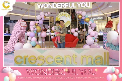 Crescent-Mall-Vietnam-Women-Day-March-8-photobooth-instant-print-chup-hinh-in-anh-lay-ngay-su-kien-Tiec-cuoi-WefieBox-photobooth-Vietnam-Day2-008