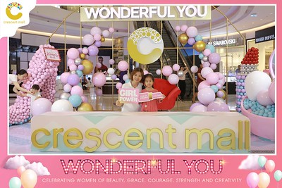 Crescent-Mall-Vietnam-Women-Day-March-8-photobooth-instant-print-chup-hinh-in-anh-lay-ngay-su-kien-Tiec-cuoi-WefieBox-photobooth-Vietnam-Day2-005