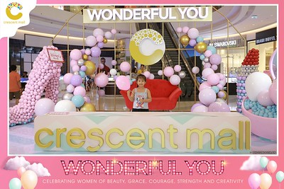 Crescent-Mall-Vietnam-Women-Day-March-8-photobooth-instant-print-chup-hinh-in-anh-lay-ngay-su-kien-Tiec-cuoi-WefieBox-photobooth-Vietnam-Day2-002