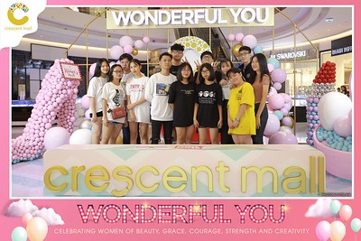 Crescent-Mall-Vietnam-Women-Day-March-8-photobooth-instant-print-chup-hinh-in-anh-lay-ngay-su-kien-Tiec-cuoi-WefieBox-photobooth-Vietnam-Day2-018