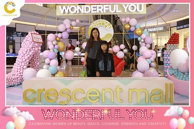 Crescent-Mall-Vietnam-Women-Day-March-8-photobooth-instant-print-chup-hinh-in-anh-lay-ngay-su-kien-Tiec-cuoi-WefieBox-photobooth-Vietnam-Day2-007