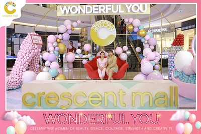Crescent-Mall-Vietnam-Women-Day-March-8-photobooth-instant-print-chup-hinh-in-anh-lay-ngay-su-kien-Tiec-cuoi-WefieBox-photobooth-Vietnam-Day2-014