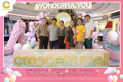 Crescent-Mall-Vietnam-Women-Day-March-8-photobooth-instant-print-chup-hinh-in-anh-lay-ngay-su-kien-Tiec-cuoi-WefieBox-photobooth-Vietnam-Day2-016