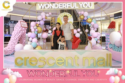 Crescent-Mall-Vietnam-Women-Day-March-8-photobooth-instant-print-chup-hinh-in-anh-lay-ngay-su-kien-Tiec-cuoi-WefieBox-photobooth-Vietnam-Day2-009