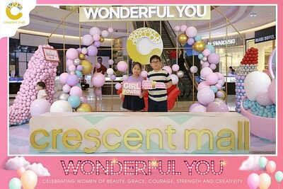 Crescent-Mall-Vietnam-Women-Day-March-8-photobooth-instant-print-chup-hinh-in-anh-lay-ngay-su-kien-Tiec-cuoi-WefieBox-photobooth-Vietnam-Day2-004