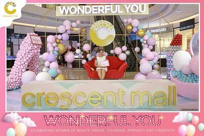 Crescent-Mall-Vietnam-Women-Day-March-8-photobooth-instant-print-chup-hinh-in-anh-lay-ngay-su-kien-Tiec-cuoi-WefieBox-photobooth-Vietnam-Day2-001