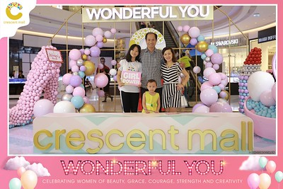 Crescent-Mall-Vietnam-Women-Day-March-8-photobooth-instant-print-chup-hinh-in-anh-lay-ngay-su-kien-Tiec-cuoi-WefieBox-photobooth-Vietnam-Day2-006
