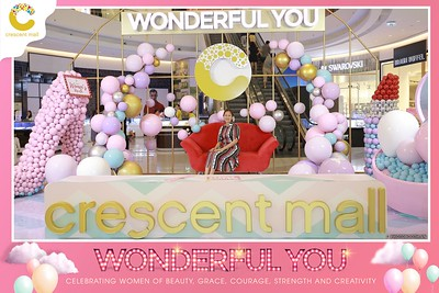 Crescent-Mall-Vietnam-Women-Day-March-8-photobooth-instant-print-chup-hinh-in-anh-lay-ngay-su-kien-Tiec-cuoi-WefieBox-photobooth-Vietnam-Day2-013