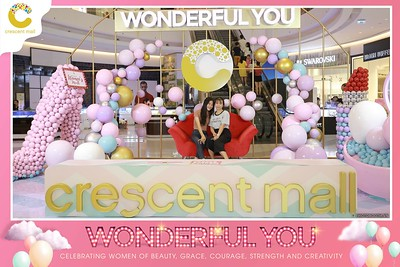 Crescent-Mall-Vietnam-Women-Day-March-8-photobooth-instant-print-chup-hinh-in-anh-lay-ngay-su-kien-Tiec-cuoi-WefieBox-photobooth-Vietnam-Day2-019
