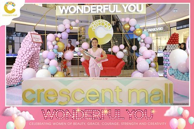 Crescent-Mall-Vietnam-Women-Day-March-8-photobooth-instant-print-chup-hinh-in-anh-lay-ngay-su-kien-Tiec-cuoi-WefieBox-photobooth-Vietnam-Day2-021
