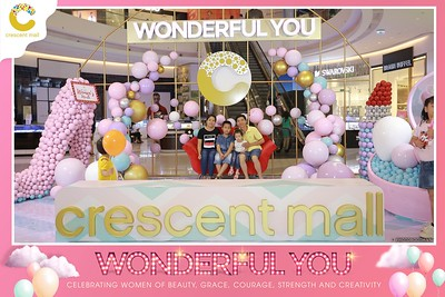 Crescent-Mall-Vietnam-Women-Day-March-8-photobooth-instant-print-chup-hinh-in-anh-lay-ngay-su-kien-Tiec-cuoi-WefieBox-photobooth-Vietnam-014
