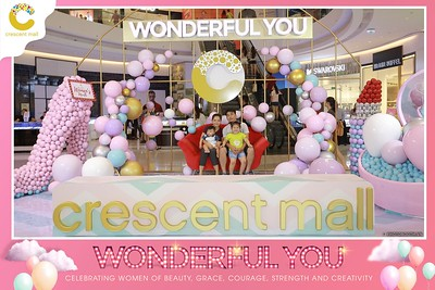 Crescent-Mall-Vietnam-Women-Day-March-8-photobooth-instant-print-chup-hinh-in-anh-lay-ngay-su-kien-Tiec-cuoi-WefieBox-photobooth-Vietnam-020