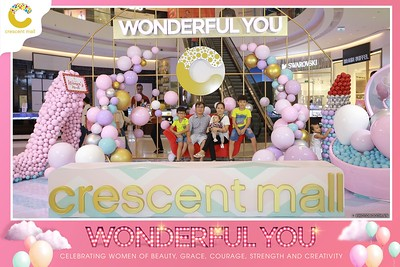 Crescent-Mall-Vietnam-Women-Day-March-8-photobooth-instant-print-chup-hinh-in-anh-lay-ngay-su-kien-Tiec-cuoi-WefieBox-photobooth-Vietnam-023