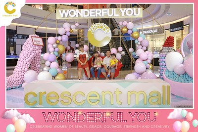 Crescent-Mall-Vietnam-Women-Day-March-8-photobooth-instant-print-chup-hinh-in-anh-lay-ngay-su-kien-Tiec-cuoi-WefieBox-photobooth-Vietnam-021