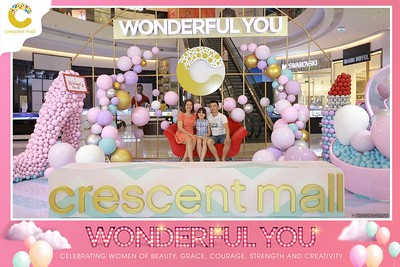 Crescent-Mall-Vietnam-Women-Day-March-8-photobooth-instant-print-chup-hinh-in-anh-lay-ngay-su-kien-Tiec-cuoi-WefieBox-photobooth-Vietnam-008