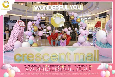 Crescent-Mall-Vietnam-Women-Day-March-8-photobooth-instant-print-chup-hinh-in-anh-lay-ngay-su-kien-Tiec-cuoi-WefieBox-photobooth-Vietnam-016