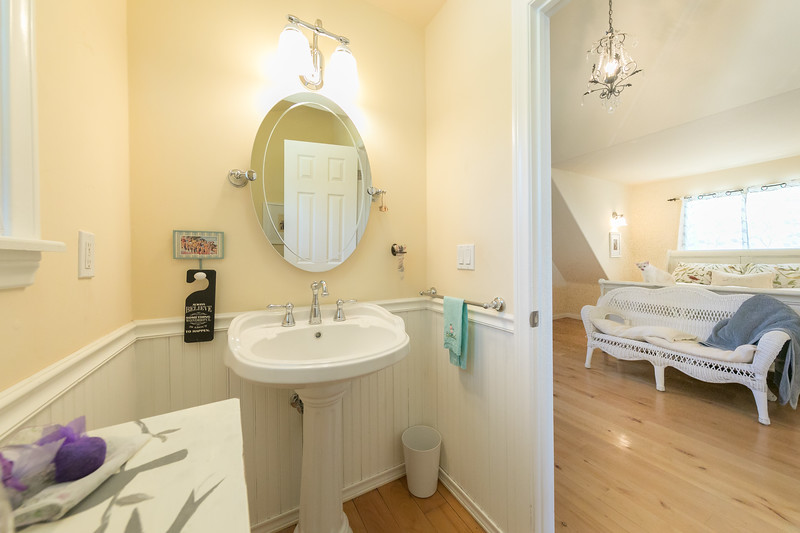 22678 Valley View -2424