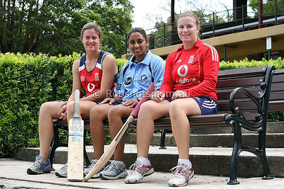 English Womens Cricket Group 002SMALL