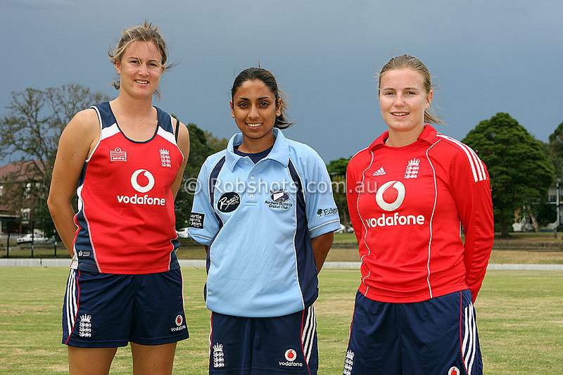 English Womens Cricket Group 003SMALL