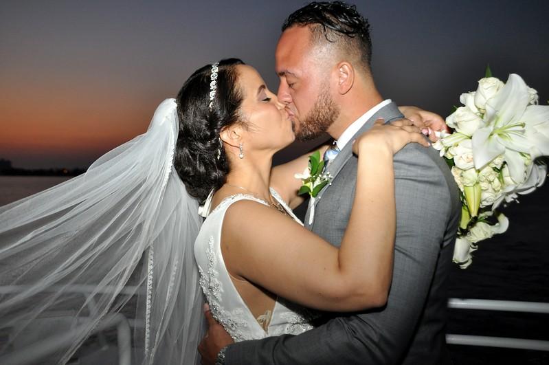 Beautiful wedding at StarLite Sapphire Dining Yacht, FL