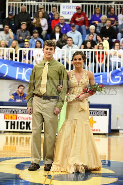 2010 Basketball Homcoming_0028