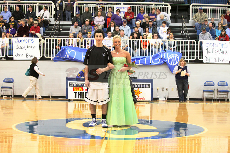 2010 Basketball Homcoming_0035